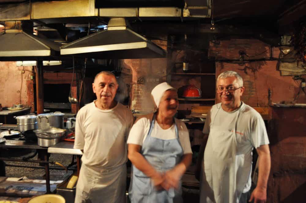 Kucharze z garkuchni w Tblisi