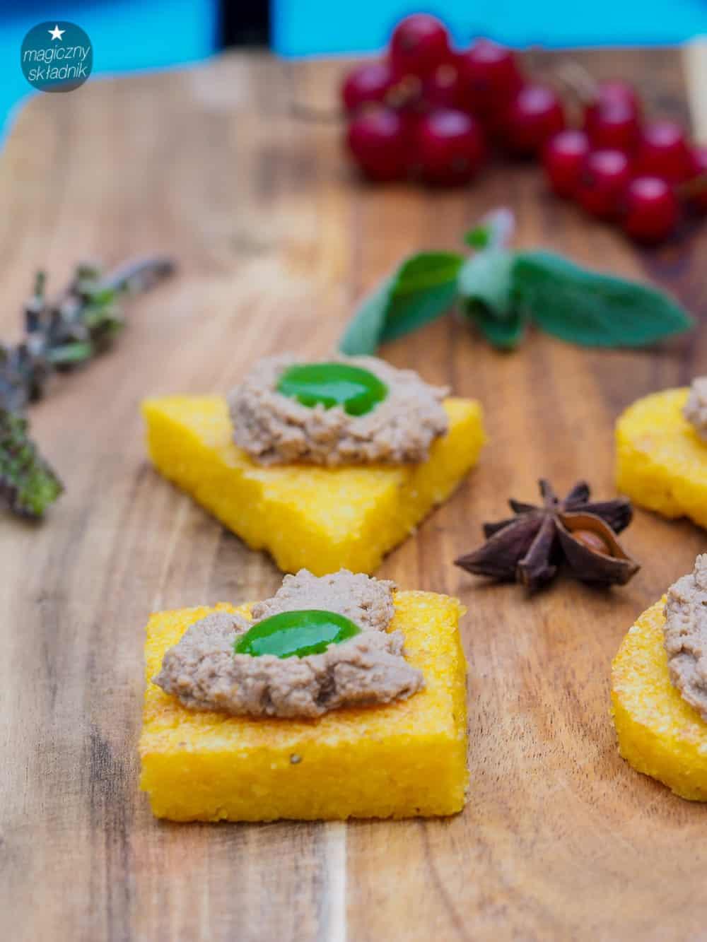 Grillowana polenta z foie gras