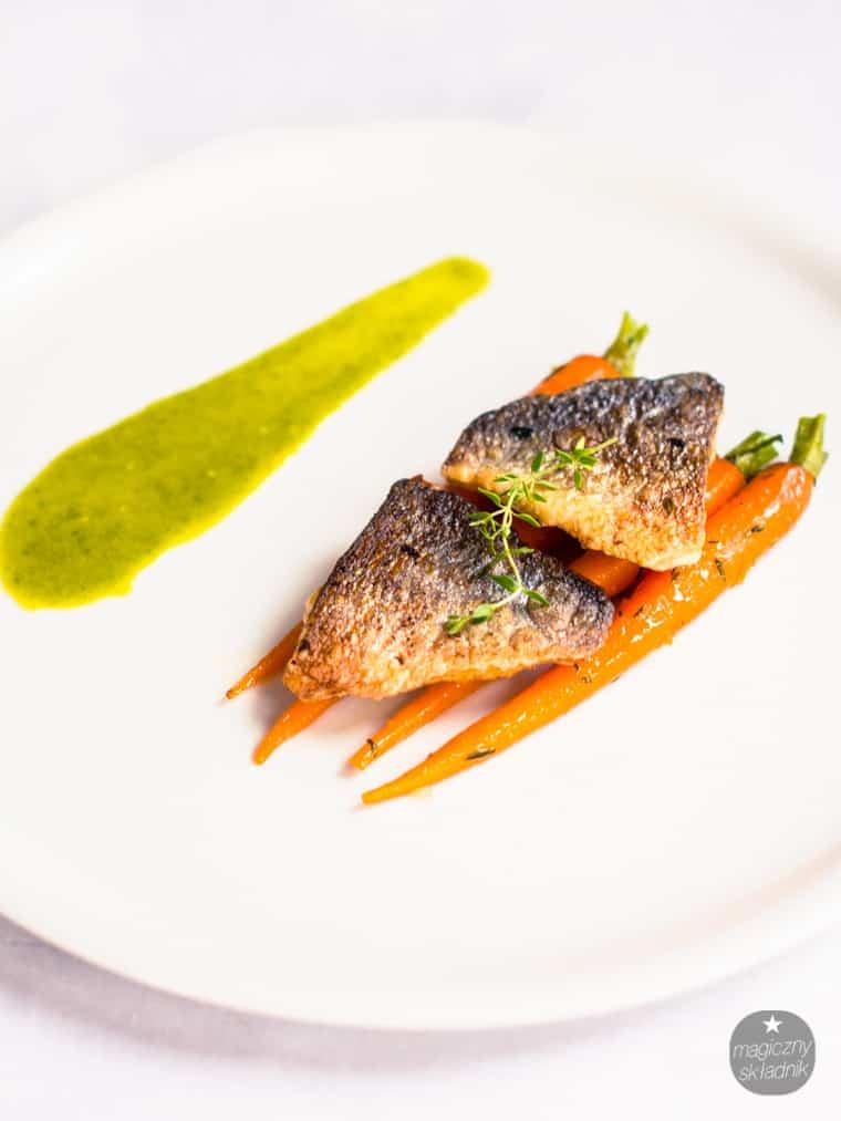 Filet z dorady z glazurowanymi marchewkami-5