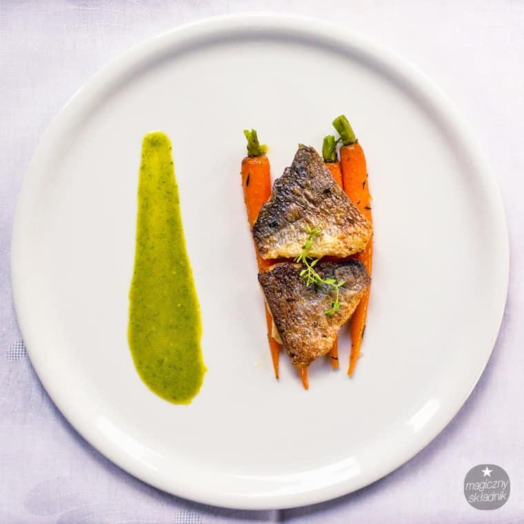 Filet z dorady z glazurowanymi marchewkami-2